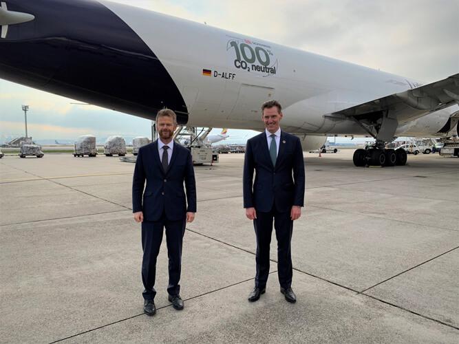 Peter Gerber, CEO of Lufthansa Cargo, and Jochen Thewes, CEO of DB Schenker (Picture LH Cargo / DB Schenker)