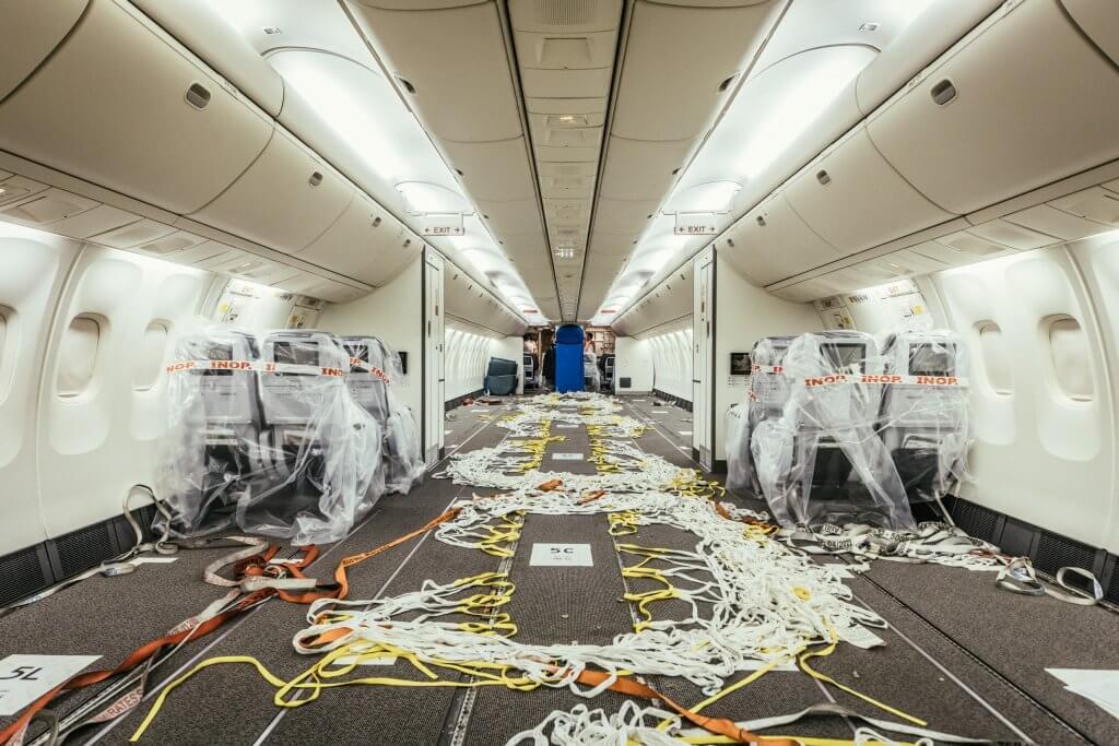 Das Passagierdeck ist fast zur Gänze von Sitzen befreit worden. © DB Schenker