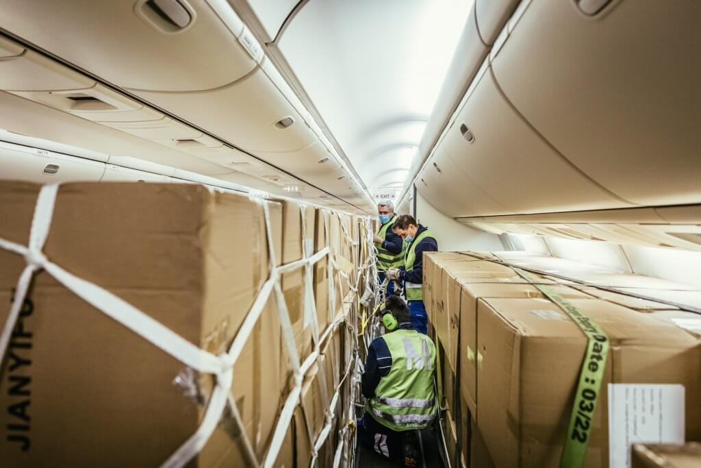 Ladungssicherung ist bei Luftfracht das A und O für einen sicheren Transport. © DB Schenker