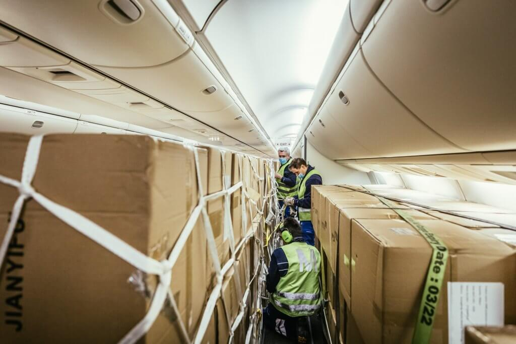 Securing cargo is the be-all and end-all for safe transportation. © DB Schenker