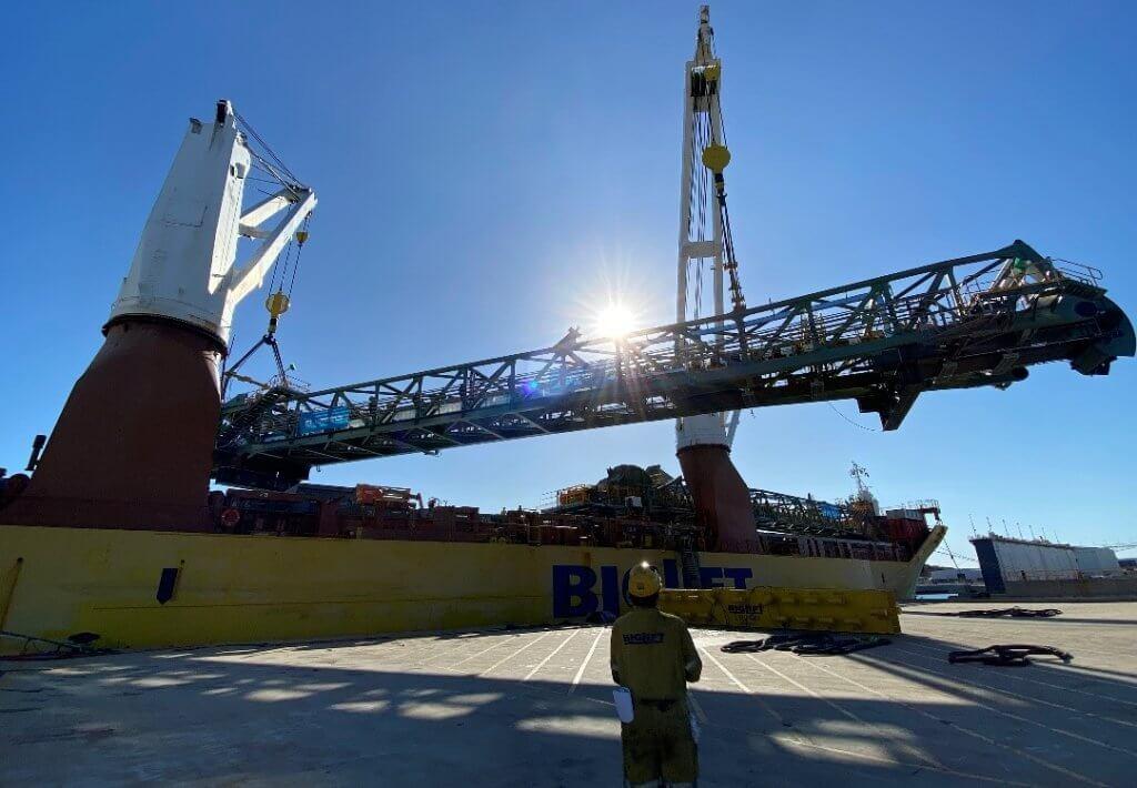 Die Module für das größte Schienenfahrzeug der Welt wurden mit dem Schiff von Henderson nach Port Hedland befördert. © DB Schenker