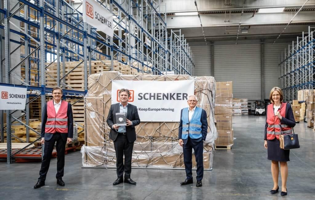 Das Netzwerk des einen hilft dem anderen. Oliver Seidl (v.l.n.r.), Manne Lucha, Uwe-Karsten Städter, Dorothea von Boxberg. © DB Schenker