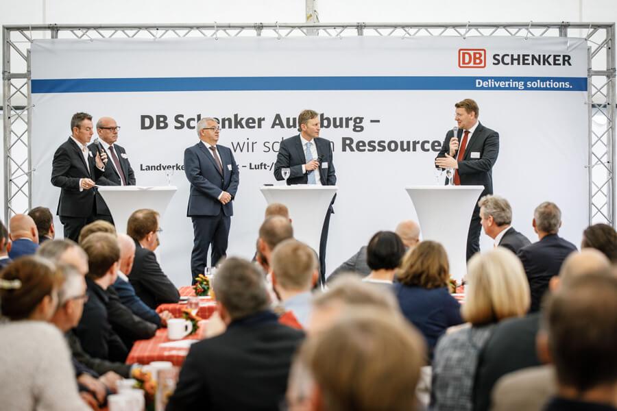 DB Schenker feiert den nächsten Meilenstein seiner Kontraktlogistik im GVZ Augsburg.