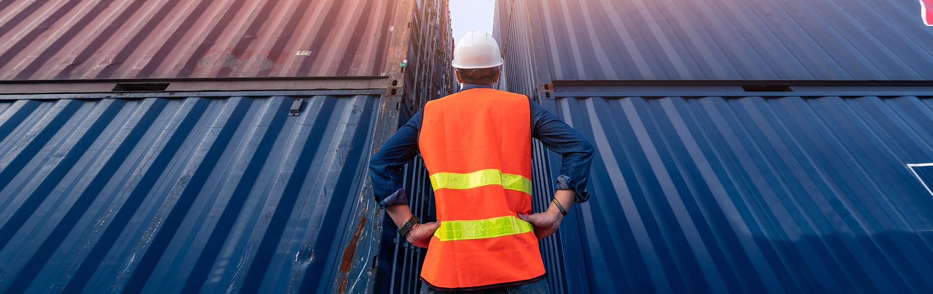 Roboter entlastet von Schwerstarbeit – Forschung zur Entleerung von Seecontainern