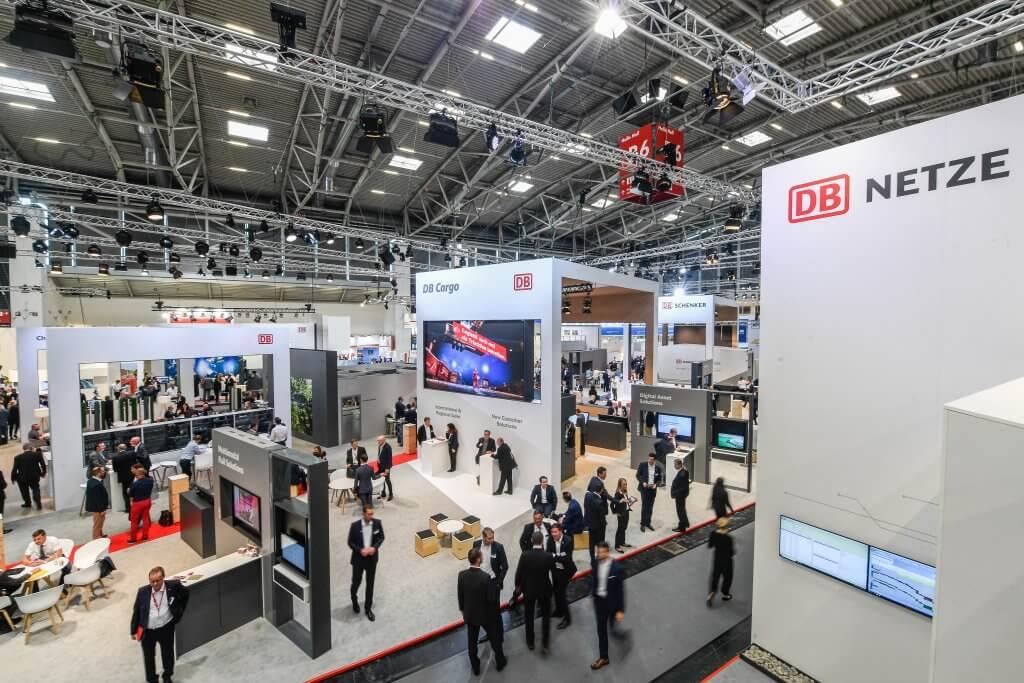 Blick auf den DB Schenker-Stand: Die Angebote der DB stießen auf viel Interesse. In diesem Jahr gab es neun Prozent mehr Aussteller als 2017. © Max Lautenschläger