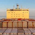 """Die """"Venta Maersk"""" passiert die Nordostpassage"""