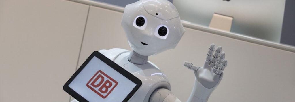 """Automatisierung bei DB Schenker: """"Gestatten Sie, mein Name ist Pepper!"""""""