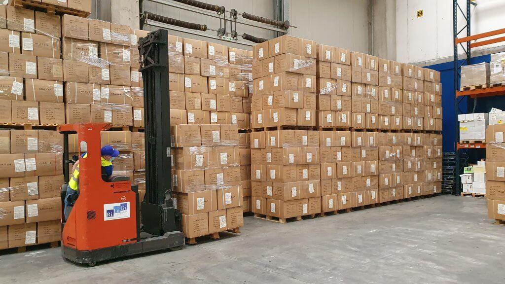 Das Material wird im Hangartner-Terminal in Verona für die Auslieferung vorbereitet. © DB Schenker