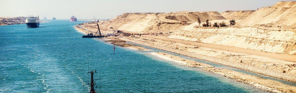 Mit dem Schiff durch die Wüste – der Suezkanal
