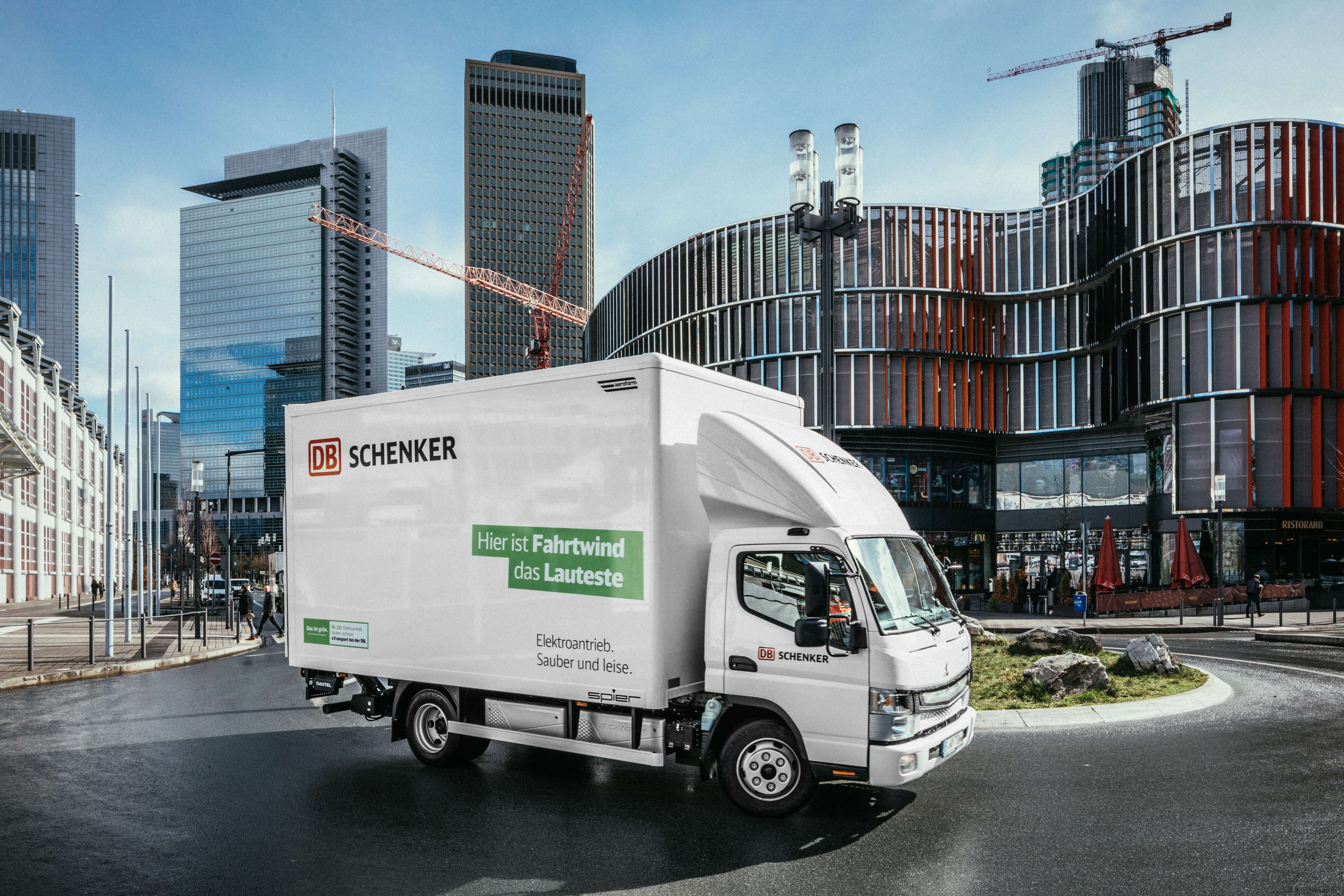 The eCanter in Frankfurt. © DB Schenker/Michael Neuhaus