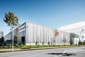 DB Schenker Logistikzentrum im GVZ Augsburg