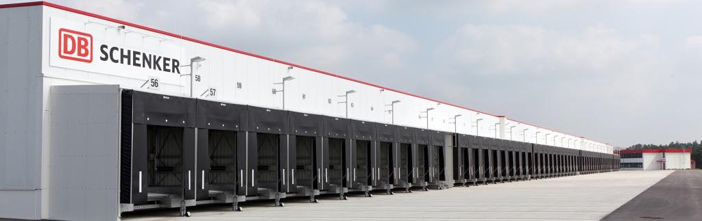 DB Schenker weiht nachhaltiges Umschlagterminal am Flughafen Hannover ein